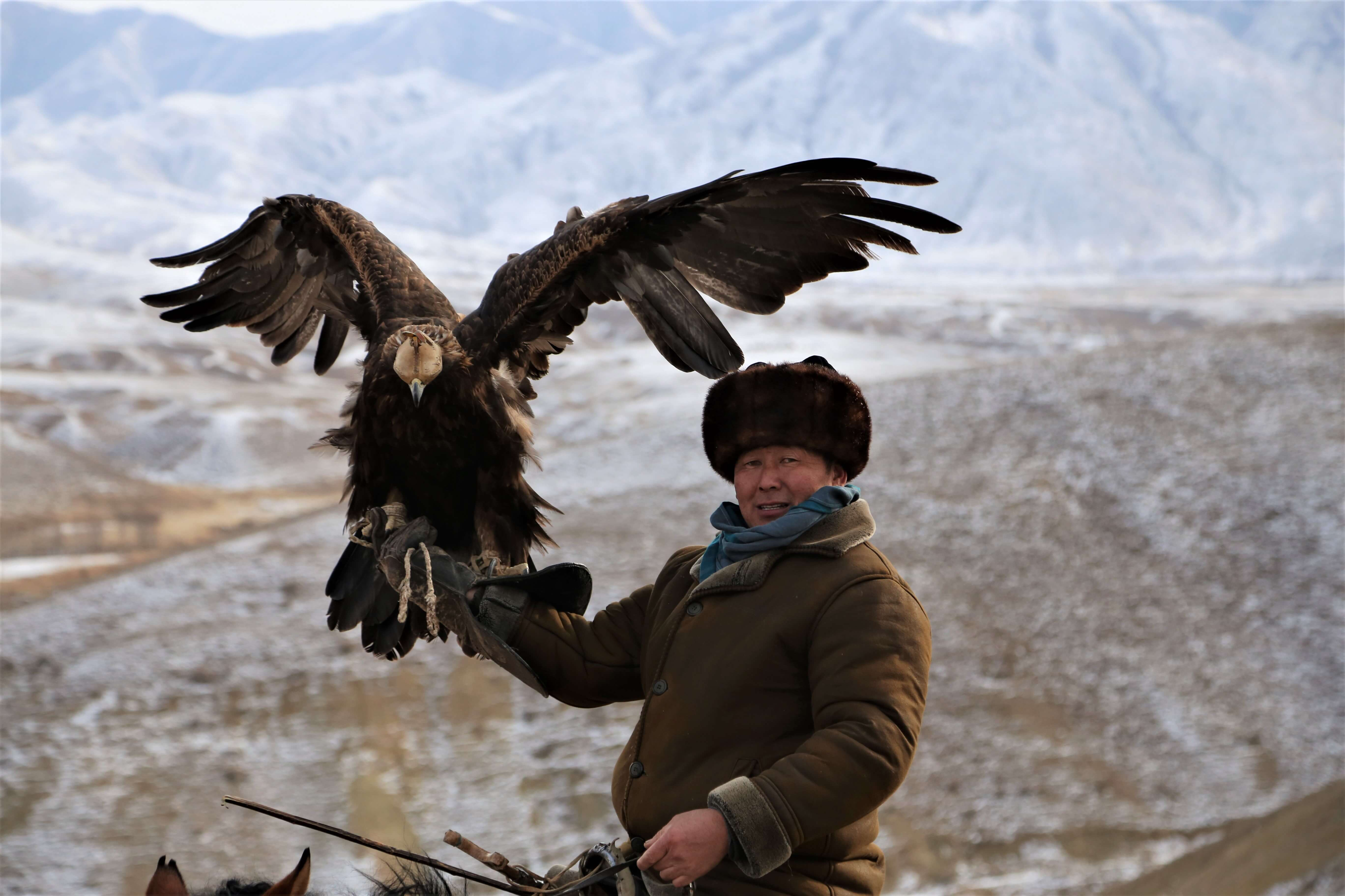 Hunting with Eagles and Horse Trek to Song Kol